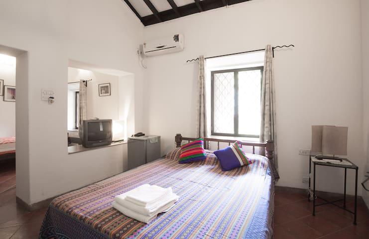 Deluxe 1 BR Suite at Granpa's Inn Anjuna Goa - Anjuna - Huis