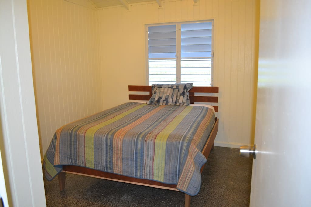 THIS LISTING (B) is to reserve this bedroom. It has a queen size bed for 2 in a private bedroom with keyed locking door.
