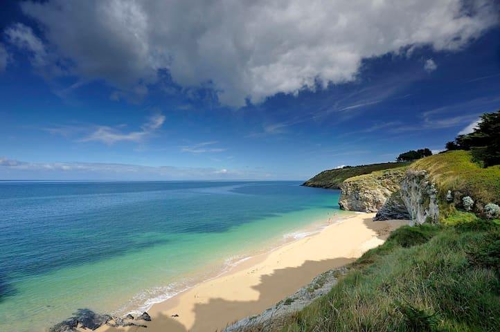 Bordardoue beach at walking distance