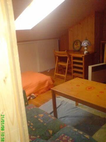 Petit studio en sous pente