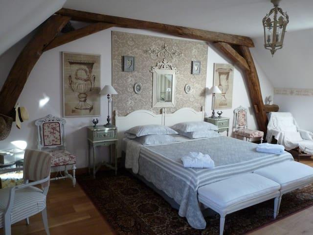 Carpe Diem Bed and Breakfast - Massangis - Bed & Breakfast