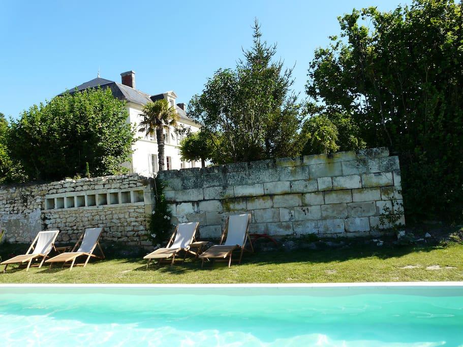 Chambres d 39 h tes dans belle demeure avec piscine for Chambre d hote cavalaire