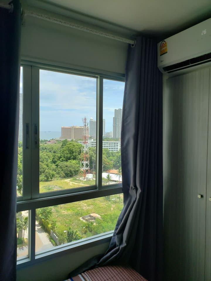 本人的转租房详情加V : 958568795,7月19日截止到8月18日,公寓只能月租,便宜转租