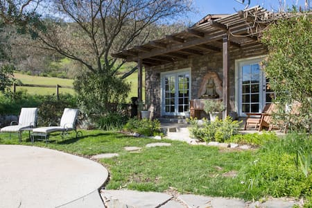 Wine Country Bungalow w/ Pool, Spa - Paso Robles - Bungaló