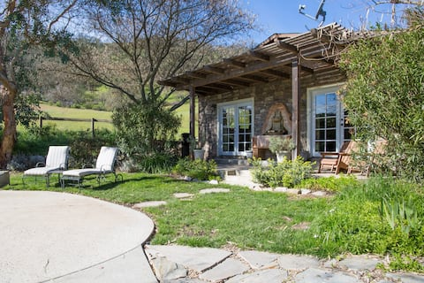 Wine Country Bungalow w/ Pool, Spa