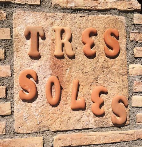 Villa TRES SOLES