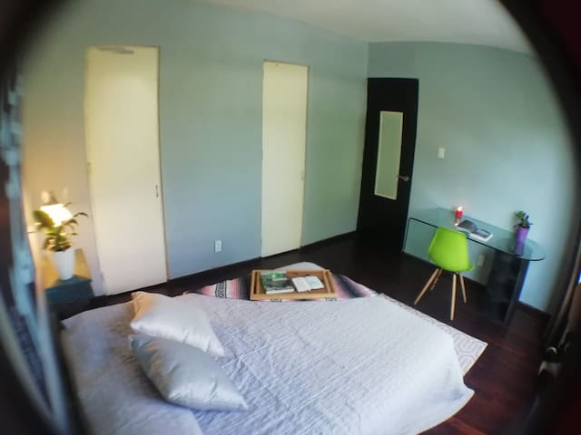 Lovely private bedroom in Roma/Condesa :)