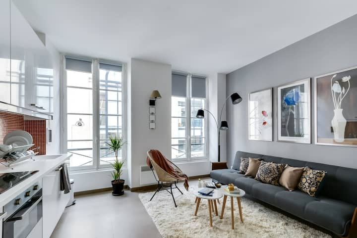 Sophisticated & bright apartment in Opera