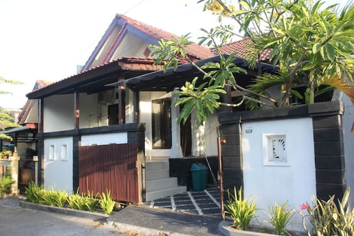 Holiday Home in Cntrl Jimbaran - South Kuta - House