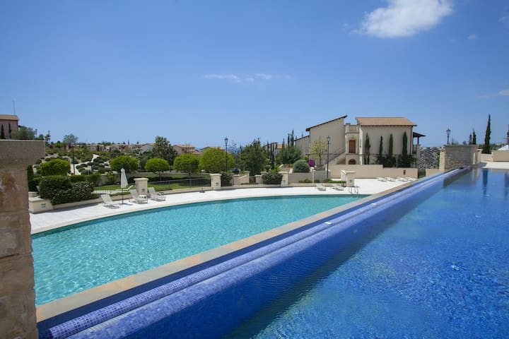 Apollo Golf Suite, Aphrodite Hill