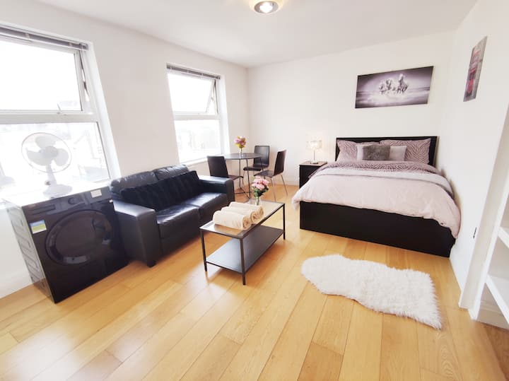 💜 Central Modern Soho Apartment ★★★★★ P1