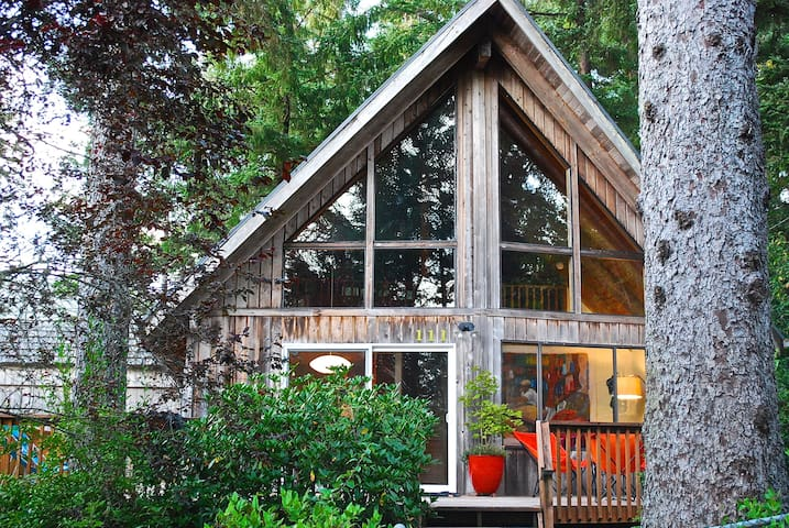 Mountain Cabin at the Coast    MCA #1059 - Manzanita - บ้าน