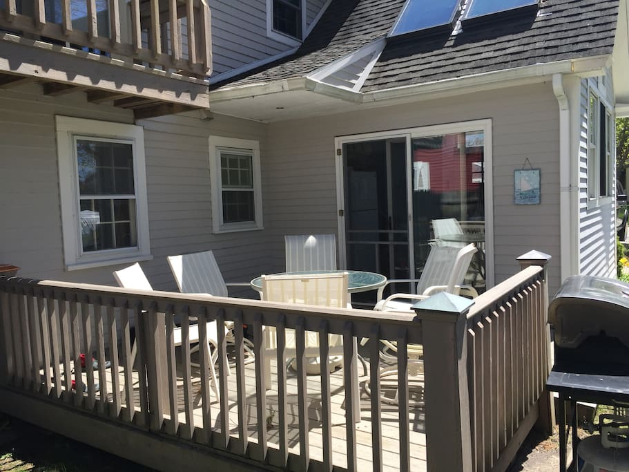 Nice Deck with Stainless grille