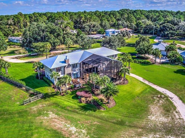 Stunning Lake Weir Estate Home