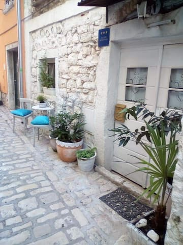 STUDIO ANTIQUE ROVINJ