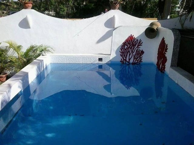 Nice house with pool access & Wifi