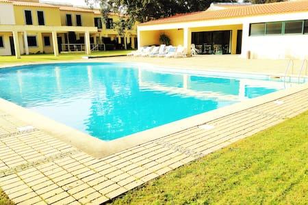Villa 3 Quartos com Piscina e Tenis - Lanhelas - Haus