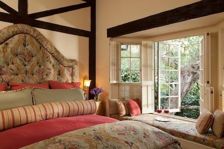 Garden Cottage - Monterey