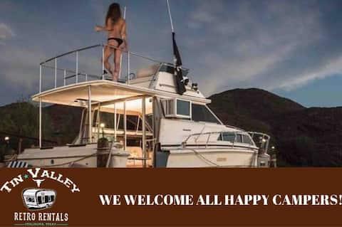 Rondavous Land Yacht - Location de chalets rétro à Tin Valley