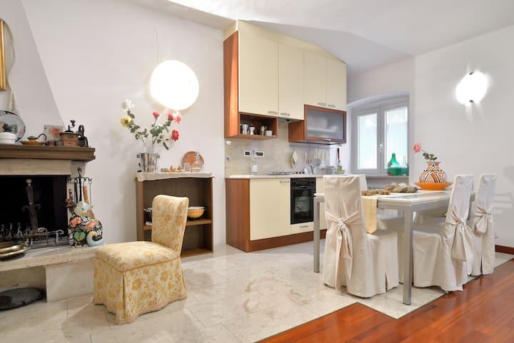 Grazioso appartamento con caminetto