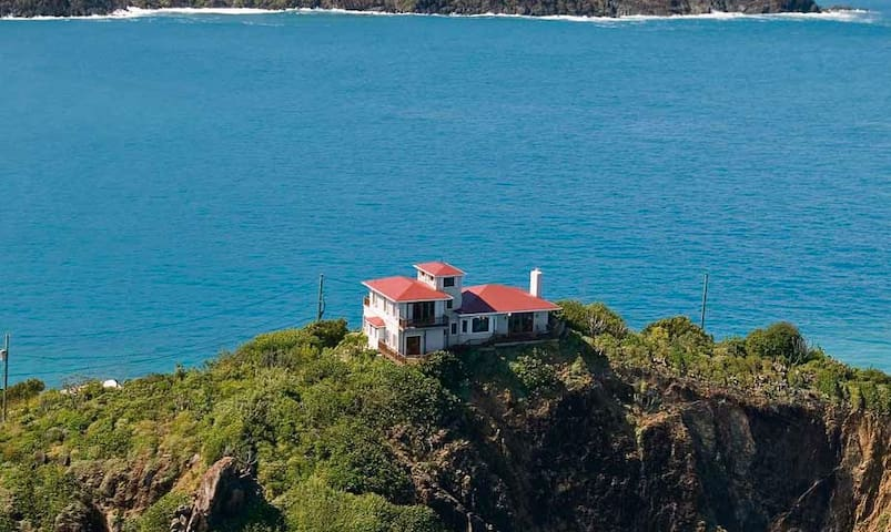 3 bedrooms, hilltop location, pool - St. Thomas  VI ST - Villa