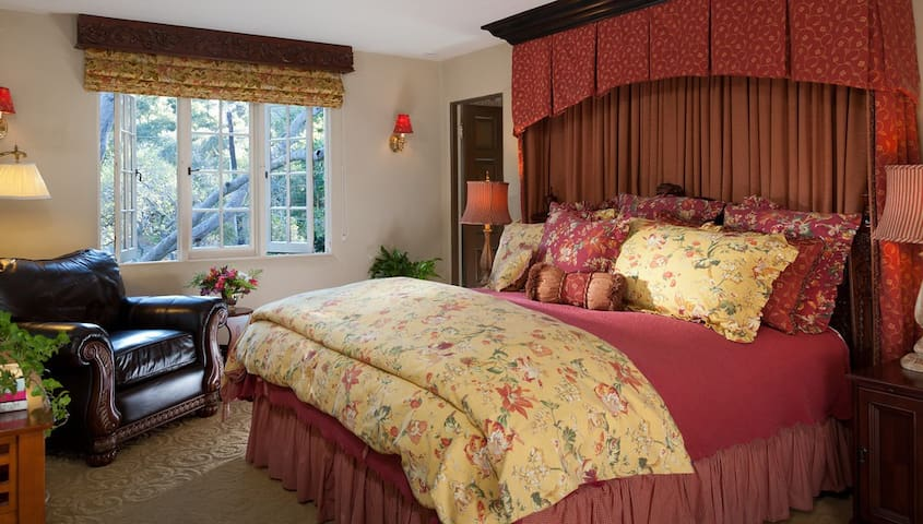Ashford Suite - Monterey - Bed & Breakfast