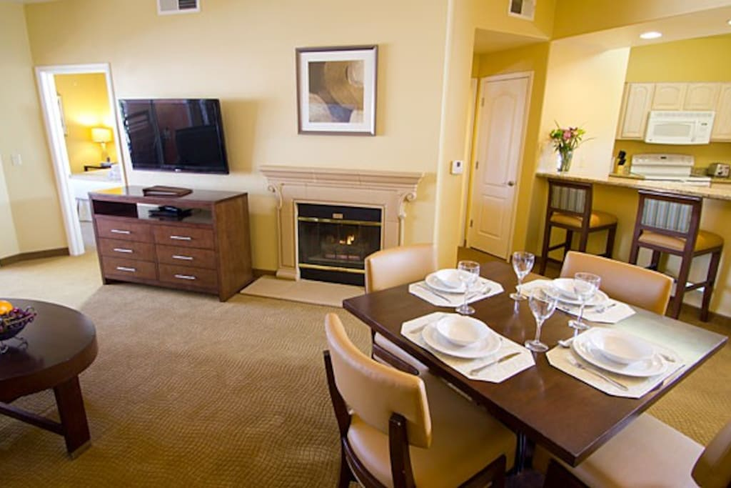Fully stocked kitchen, cable, wifi, handicap accessible