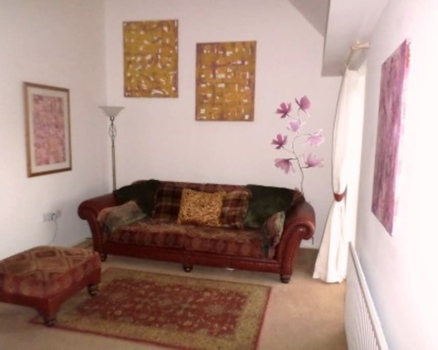 Spacious Gallery Lounge with a 6ft 6in sofa that can also sleep 1 if required