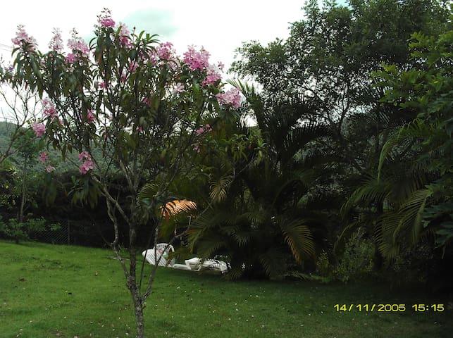 Linda casa nas montanhas - Nova Lima - Hus
