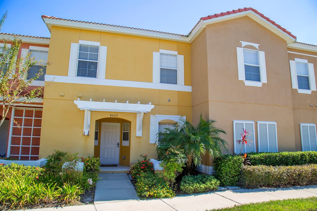 Bellavida Resort 3 Bedroom Townhouse Houses For Rent In Kissimmee Florida United States