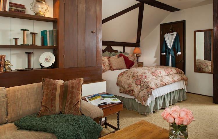 Dovecote - Monterey - Bed & Breakfast