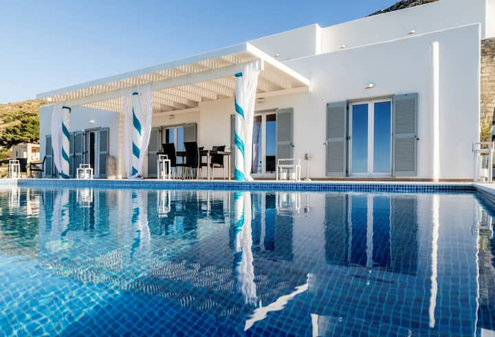 FULLY FLEXIBLE POLICY! EXCLUSIVE LUXURY AMAZING VIEW VILLA SEVI PAROS ISLAND, 6 BEDROOMS 2 KITCHENS PRIVATE INFINITY POOL