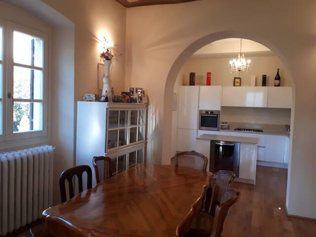 Sala da pranzo, cucina e soggiorno open space