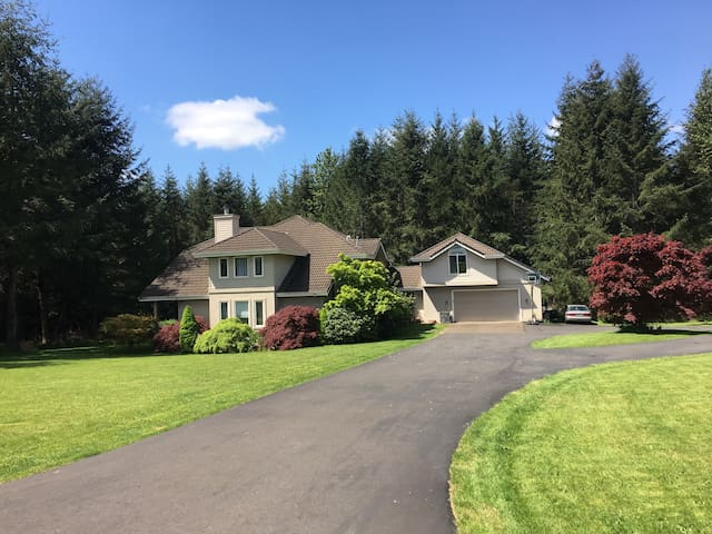 Private Country Apartment (near Sandy/Estacada)