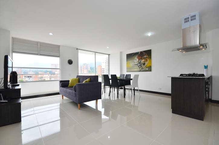 Amazing 3BD, five stars. Nice view! - Medellin - Apartament