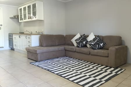 Caringbah South Homely Hideaway - Caringbah South