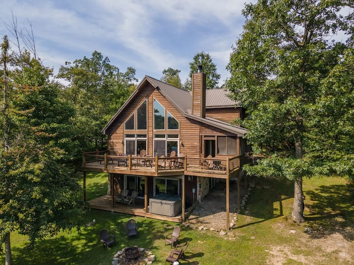 DOGS WELCOME! Lake Access Home w/Hot Tub, Fire Pit, & Community Outdoor Pool!