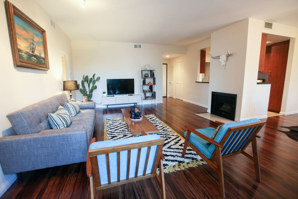Charming 2 bedroom mid century style apartment - Cheap one bedroom apartments in california ...