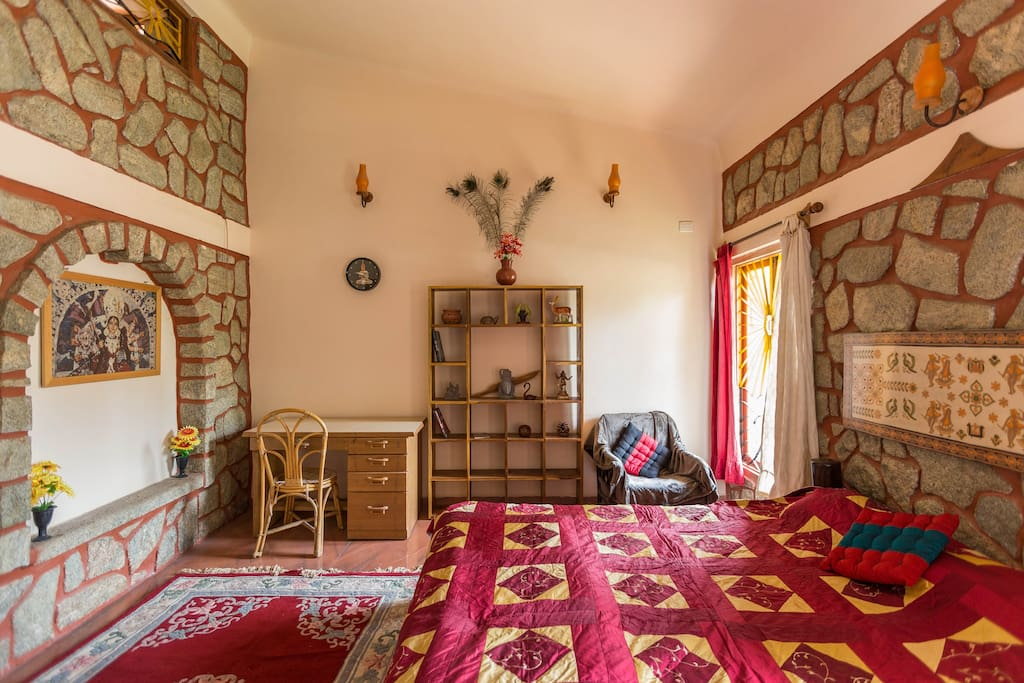Ganga - Bedroom with Cal King size bed