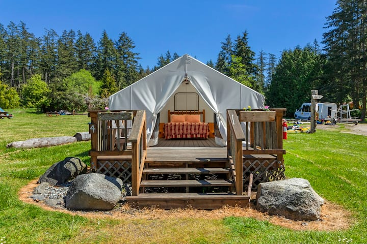 Glamping Cabin - Resort View