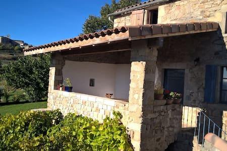 Mas cévenol en Ardèche (Sud) - Tauriers