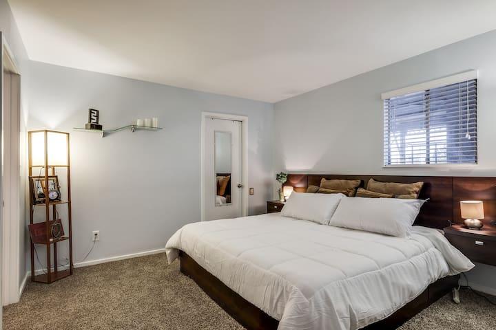 Luxurious King memory foam mattress. New Carpet