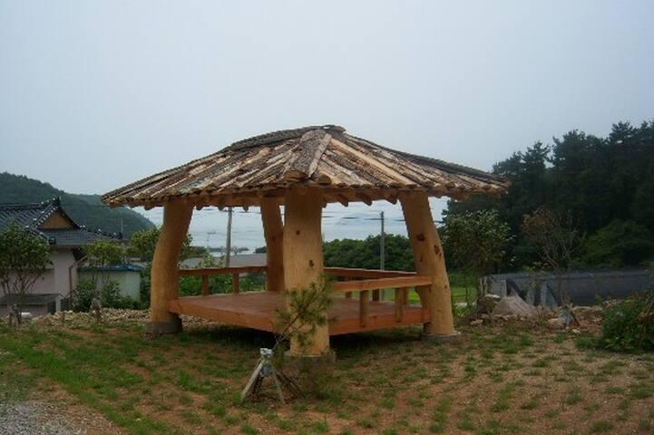 Cabin w/loft in Jindo seaside