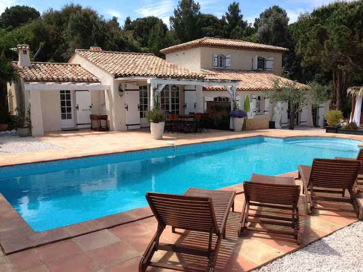 Villa with Spa, Pool and view of St Tropez's gulf