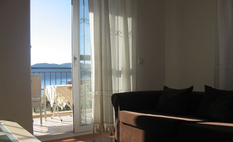 Apart with wonderful   sea view for 4 person - Kaş - Villa