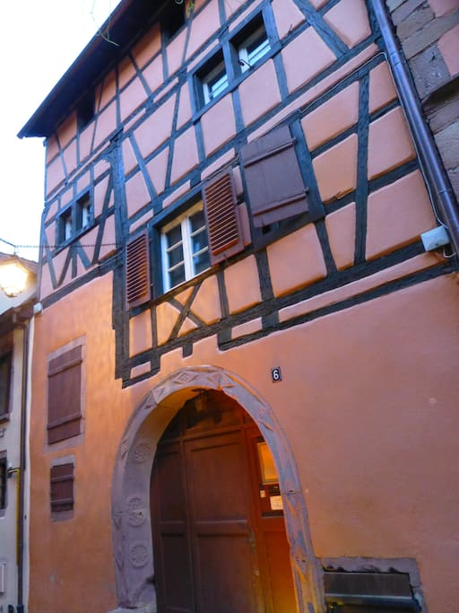 Bâtiment historique où se trouve l'appartement