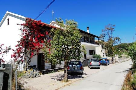 Διαμέρισμα για 2-3 με θέα θάλασσα - Arillas