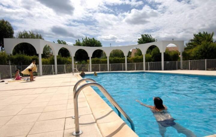 Charmant pavillon avec piscine proche de la plage