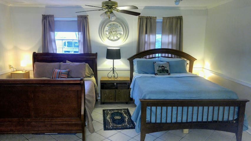 Two Queen beds and one full in the Den to meet your needs.
