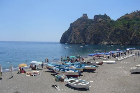 Apartment with terraces Taormina - Sant'Alessio Siculo - Lejlighed